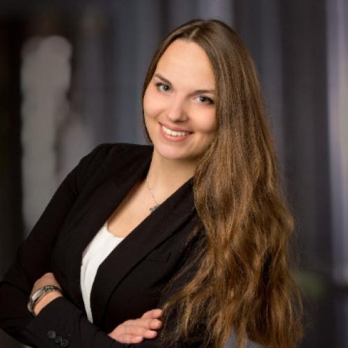 Janina Rötzer im AutorenClub