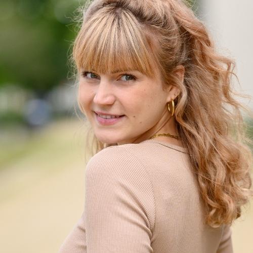 Lena Tiemann im AutorenClub